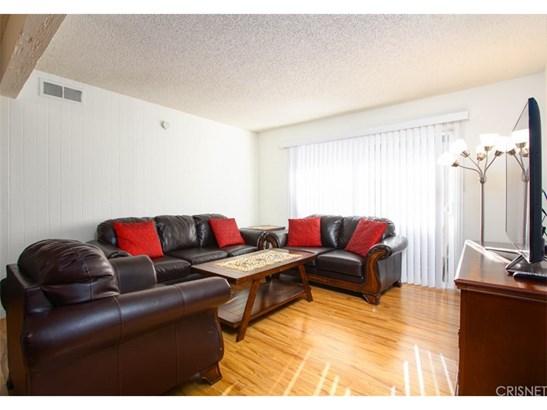 Condominium - Granada Hills, CA (photo 4)