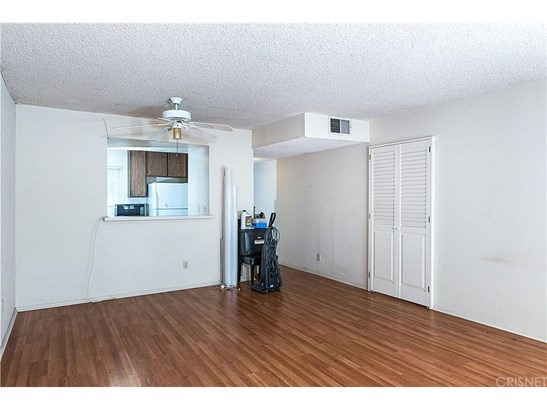 Condominium - Tarzana, CA (photo 3)