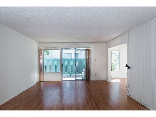 Condominium - Tarzana, CA (photo 4)
