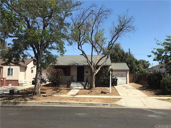 Single Family Residence - Encino, CA