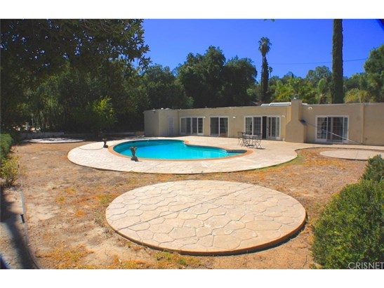 Single Family Residence - Tarzana, CA (photo 5)