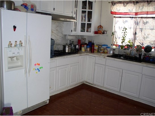 Single Family Residence, Traditional - Winnetka, CA (photo 2)