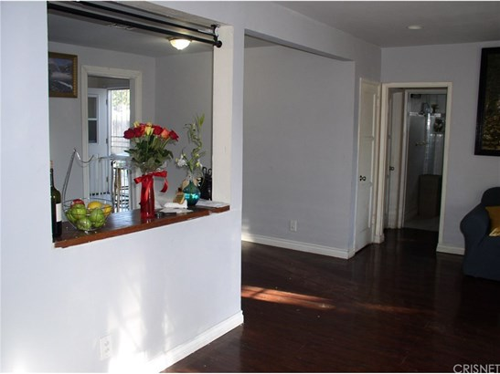 Single Family Residence, Traditional - Winnetka, CA (photo 3)