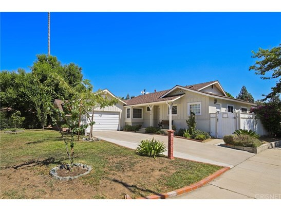 Single Family Residence, Traditional - Granada Hills, CA (photo 1)