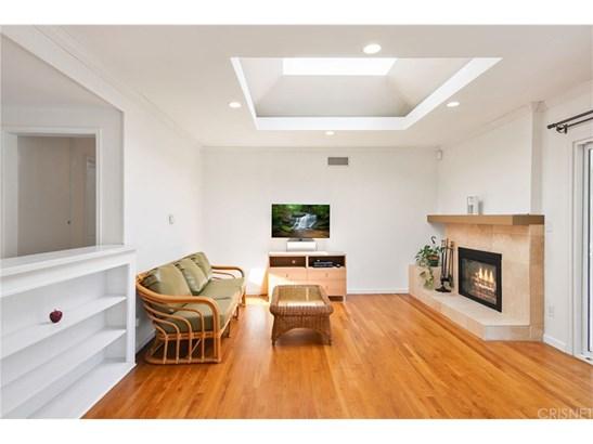 Single Family Residence, Traditional - Granada Hills, CA (photo 5)
