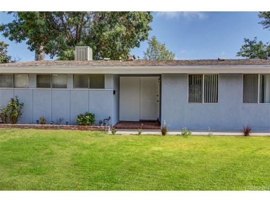 Single Family Residence, Bungalow - Granada Hills, CA (photo 2)