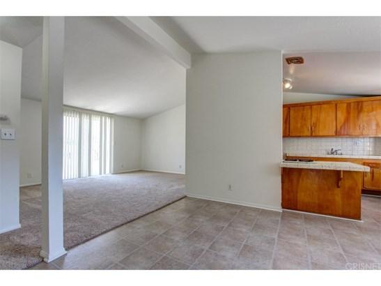 Single Family Residence, Bungalow - Granada Hills, CA (photo 3)