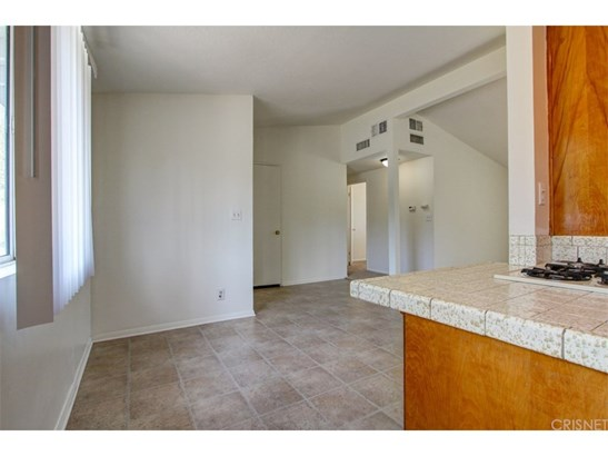 Single Family Residence, Bungalow - Granada Hills, CA (photo 4)