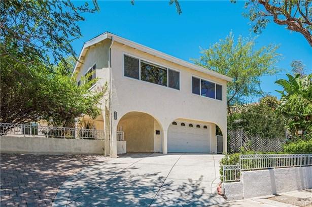 Single Family Residence - Woodland Hills, CA