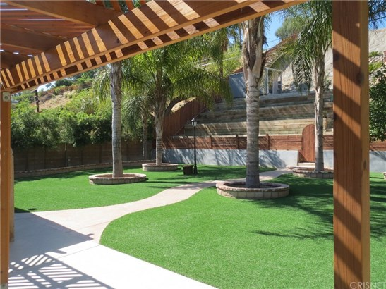 Single Family Residence - West Hills, CA (photo 4)