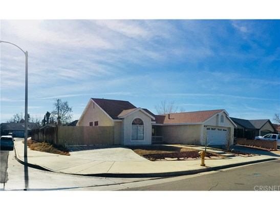 Single Family Residence, Traditional - Palmdale, CA (photo 3)