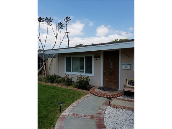 Single Family Residence - Canyon Country, CA (photo 2)