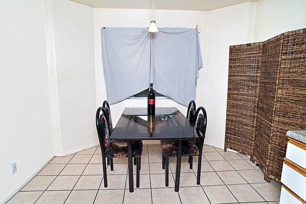 Single Family Residence - North Hills, CA (photo 4)
