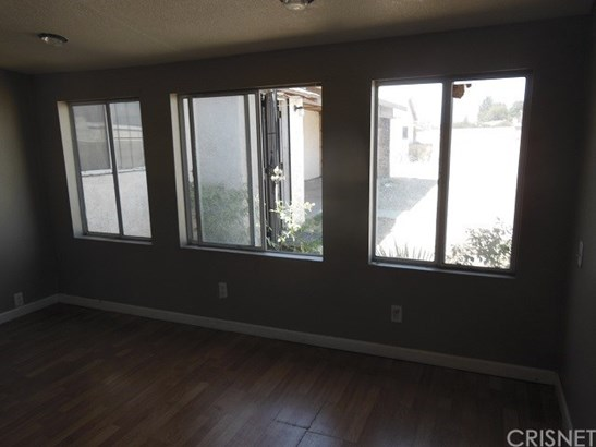 Single Family Residence - Rialto, CA (photo 5)