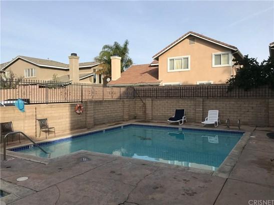 Condominium - Canoga Park, CA (photo 5)