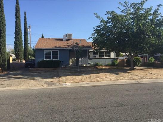 Single Family Residence - Palmdale, CA
