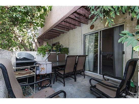 Townhouse, Contemporary - Pacoima, CA (photo 5)
