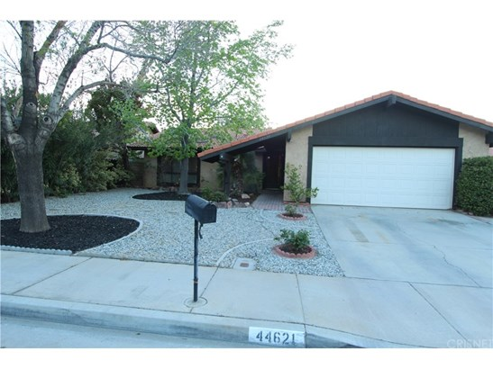 Single Family Residence, Traditional - Lancaster, CA (photo 1)