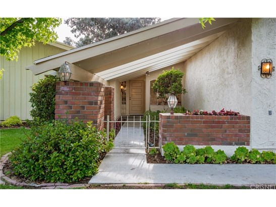 Single Family Residence - Agoura Hills, CA (photo 2)