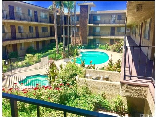 Condominium - North Hills, CA (photo 1)