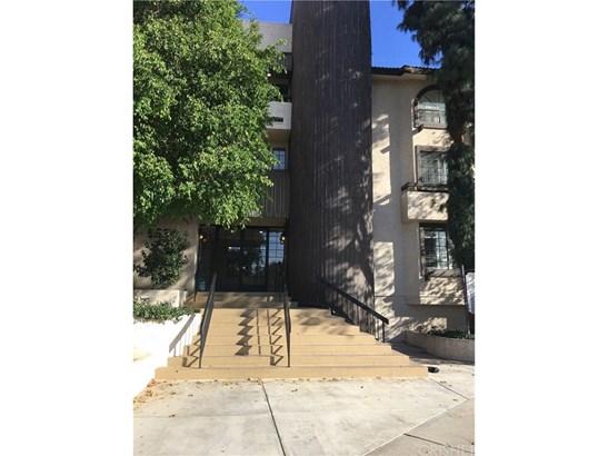 Condominium, Contemporary - Encino, CA (photo 1)