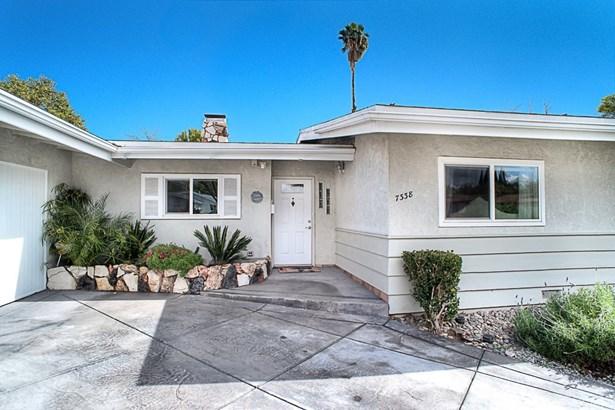Single Family Residence - Winnetka, CA (photo 2)