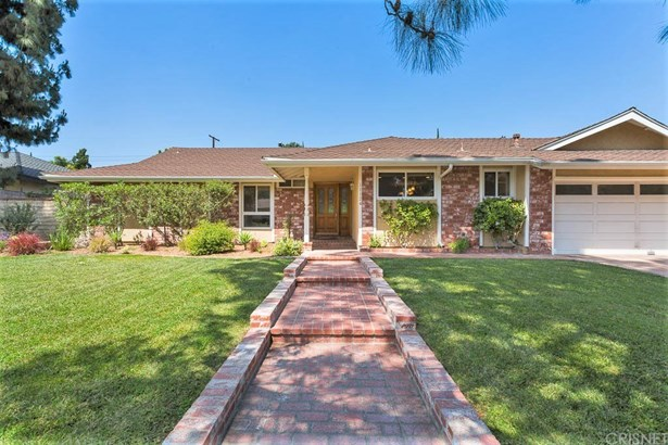 Single Family Residence, Ranch - Porter Ranch, CA (photo 3)