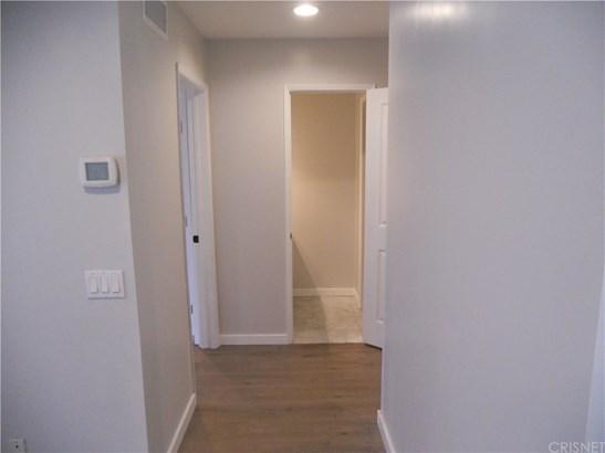 Condominium - Los Angeles, CA (photo 5)