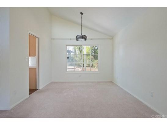 Single Family Residence - Porter Ranch, CA (photo 5)