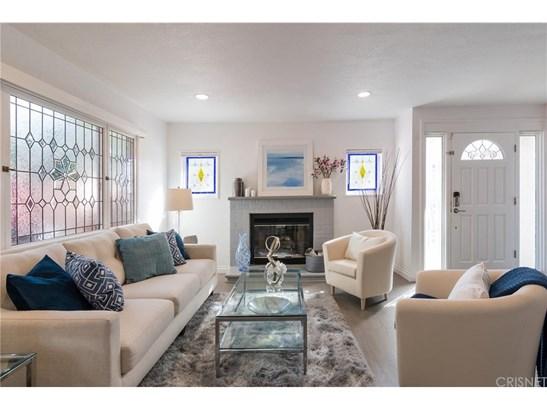 Single Family Residence, Contemporary - Woodland Hills, CA (photo 4)