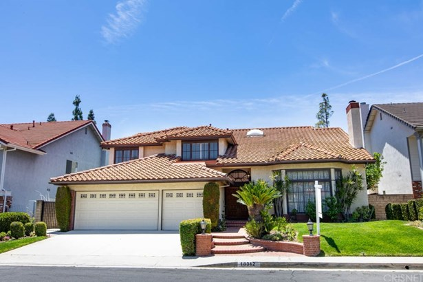 Single Family Residence, Contemporary - Porter Ranch, CA
