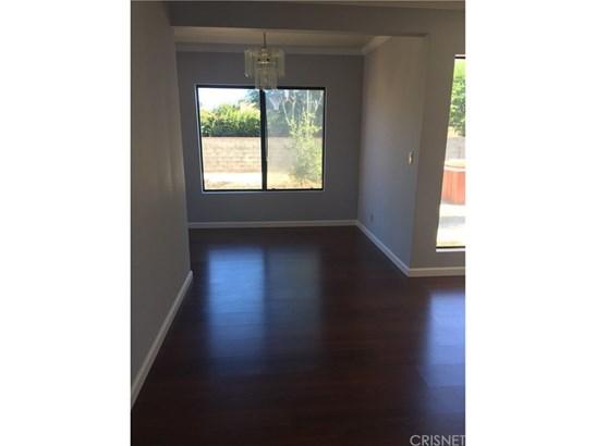 Single Family Residence, Contemporary - Granada Hills, CA (photo 4)