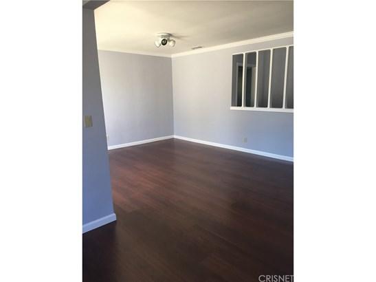 Single Family Residence, Contemporary - Granada Hills, CA (photo 5)
