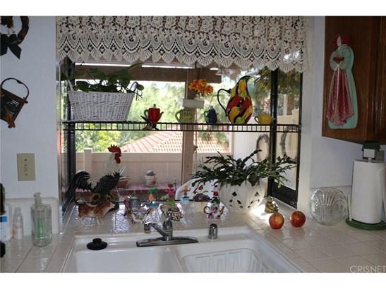 Condominium, Traditional - Newhall, CA (photo 3)