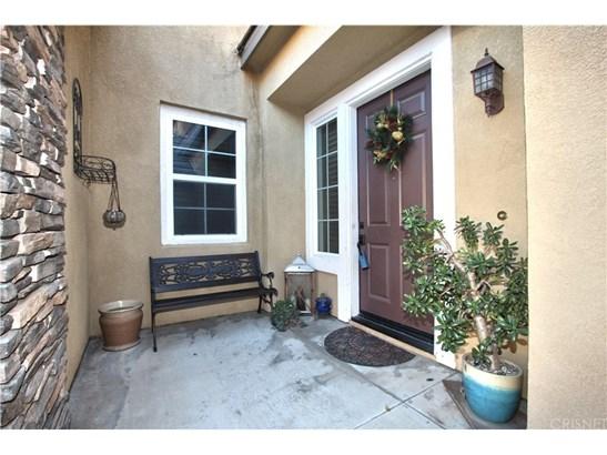 Single Family Residence, Contemporary - Canyon Country, CA (photo 3)
