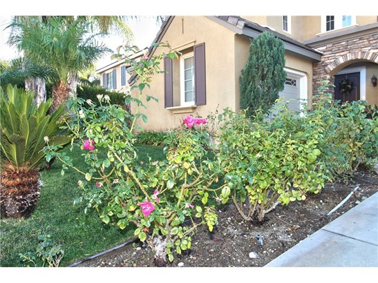 Single Family Residence, Contemporary - Canyon Country, CA (photo 5)