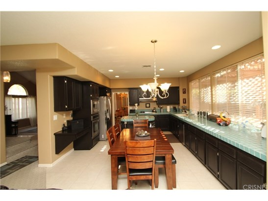 Single Family Residence, Contemporary - Palmdale, CA (photo 3)