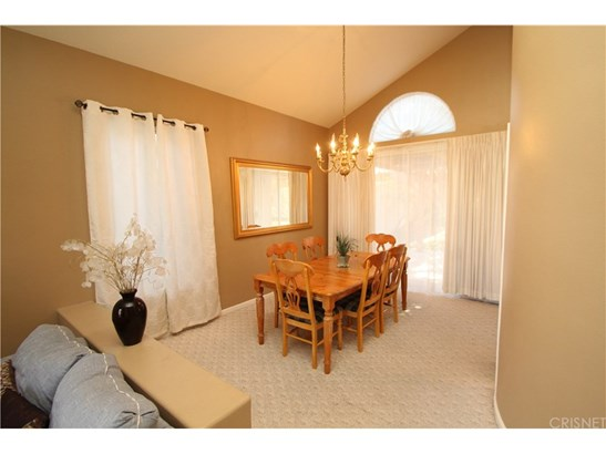 Single Family Residence, Contemporary - Palmdale, CA (photo 5)