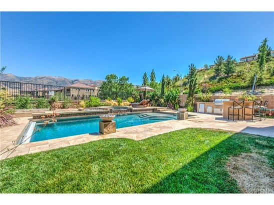 Mediterranean, Single Family Residence - Porter Ranch, CA (photo 4)