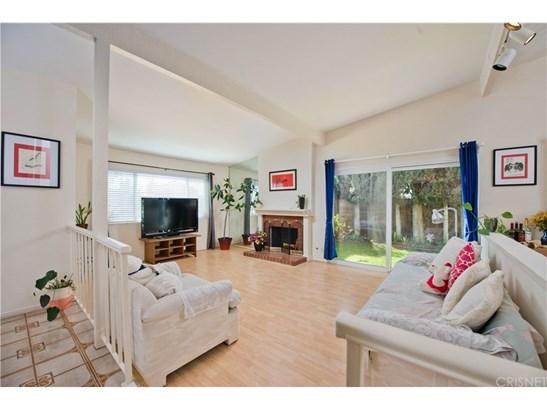 Single Family Residence, Traditional - Chatsworth, CA (photo 2)