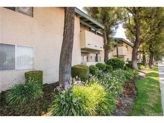 Condominium - Granada Hills, CA (photo 2)