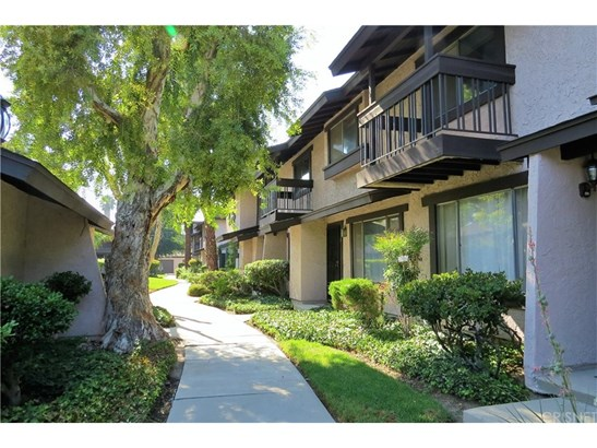 Townhouse, Traditional - Reseda, CA