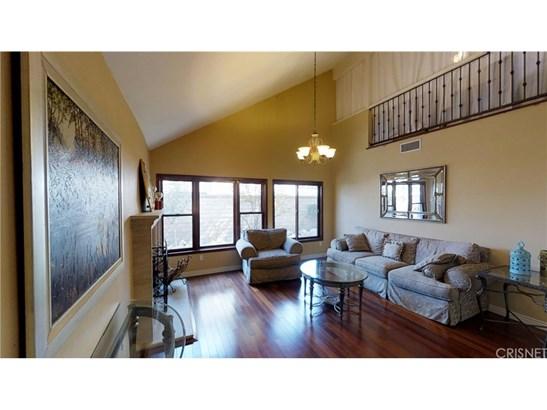 Single Family Residence, Spanish - Valencia, CA (photo 3)
