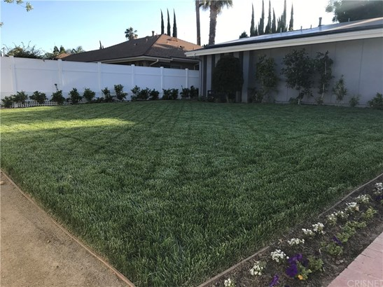 Single Family Residence, Traditional - West Hills, CA (photo 3)