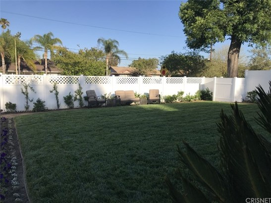 Single Family Residence, Traditional - West Hills, CA (photo 4)