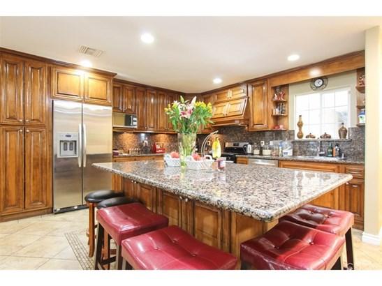Single Family Residence, Contemporary - Winnetka, CA (photo 2)