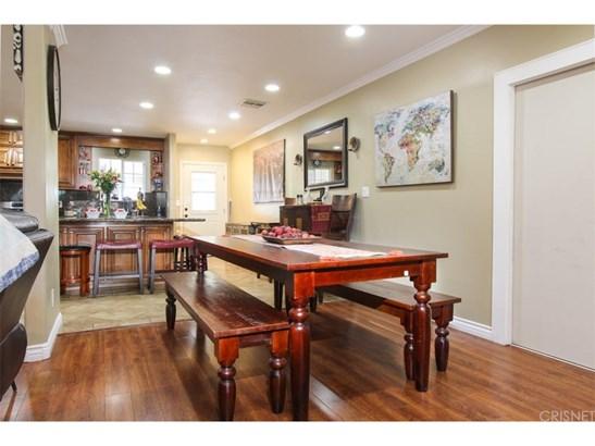 Single Family Residence, Contemporary - Winnetka, CA (photo 4)