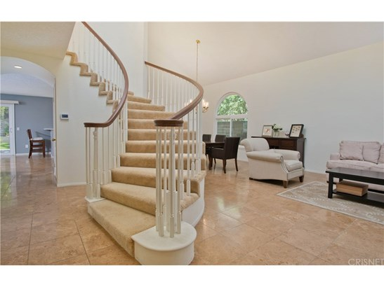 Single Family Residence, Traditional - Porter Ranch, CA (photo 2)