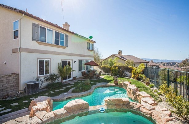 Single Family Residence - Canyon Country, CA (photo 5)
