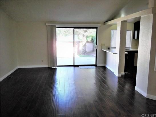 Single Family Residence - Castaic, CA (photo 4)